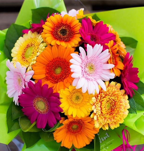 Fleuriste créatif.Bouquet gerberas pour les particuliers et entreprises.